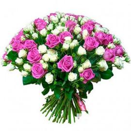 Белые кустовые и розовые розы