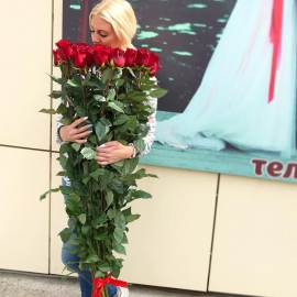 25 роз гигантов 170 см