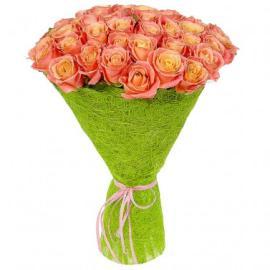 75 персиковых роз