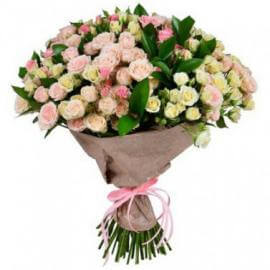 69 белых и розовых кустовых роз